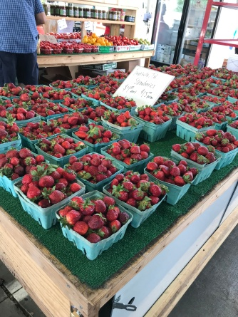 farmers market strawberries